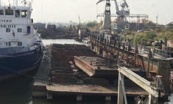 Начат ремонт т/х Колонок-175